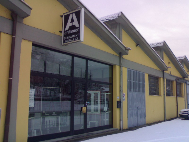 Antamori finestre e infissi in alluminio e pvc a lucca porte e serramenti serrande e - Serrande elettriche per finestre ...